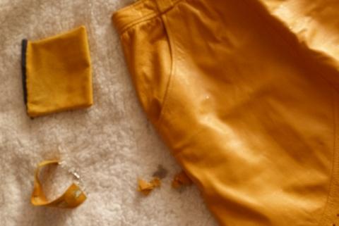Semaine Jupe cuir jaune